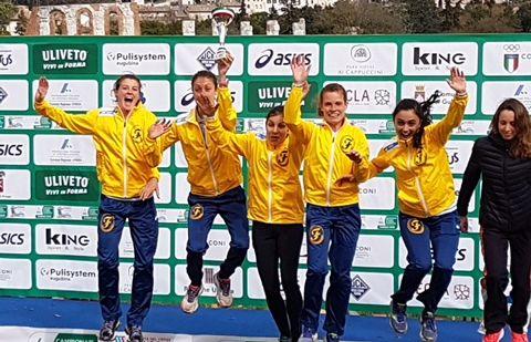 Un trionfo storico per la Fratellanza alla Festa del Cross: donne campionesse d'Italia, uomini secondi. Bertoni, Colombini e Cornia vincono l'argento individuale